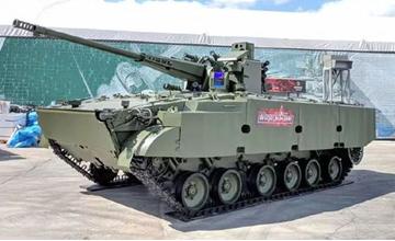 """俄陆军新装备扎堆亮相 明星装备曾被中国看不起"""" width="""