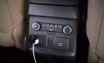 在车上充电套路这么深!?很多人的手机可能报废!