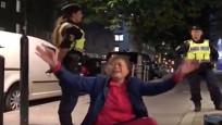真相如何?中国游客瑞典警方冲突双方各执一词,其实两边都有问题