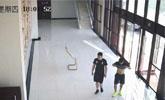 少年打球起沖突被打骨折植入23根鋼釘 將相伴終生