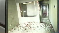 家中墙面被砸穿个大洞 门锁竟完好无损!男子:真的是莫名其妙!