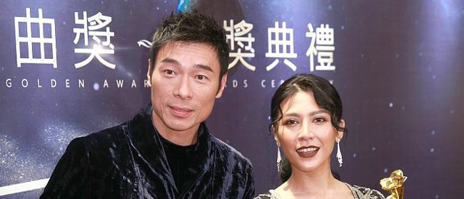 情歌王子许志安喜提最佳男歌手 艾怡良获双奖心花怒放