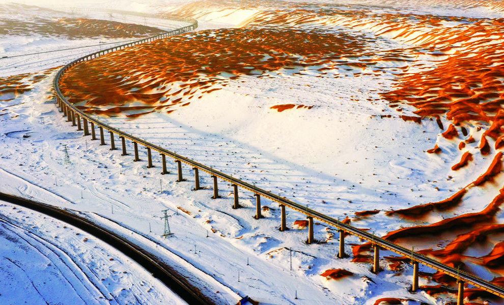壮观!中国唯一穿越活动沙漠的特长桥