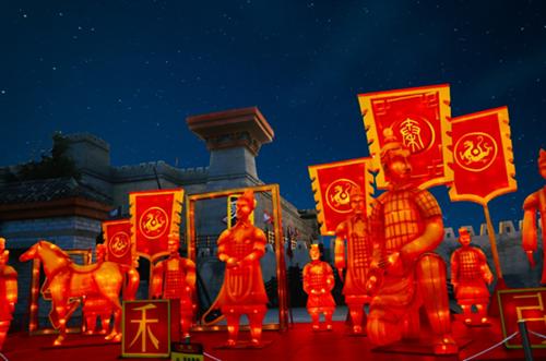 凤观青岛  在今年的新春梦幻灯会上,青岛方特独出心裁地设置了一个