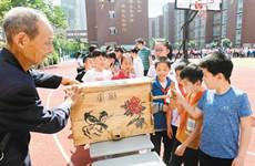 西安非物质文化遗产活动进校园 引发学生热烈反响