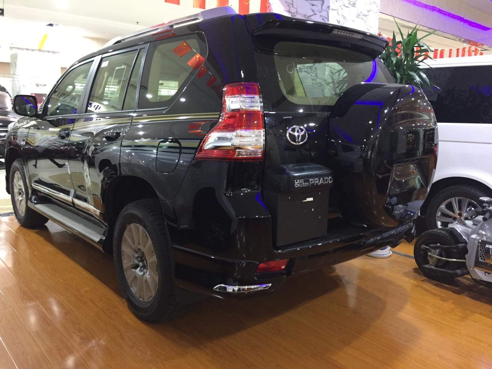 2017款丰田霸道(普拉多)4000越野车