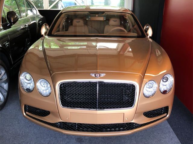 18款宾利飞驰V8S报价 运动现代科技感