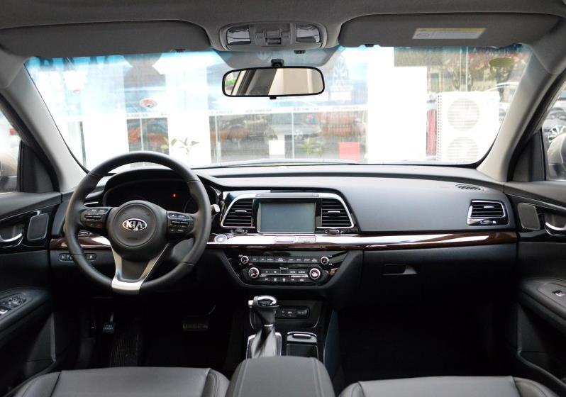 2017款全新起亚k4全系标配了大灯调节,前雾灯,外后视镜led转向灯(带