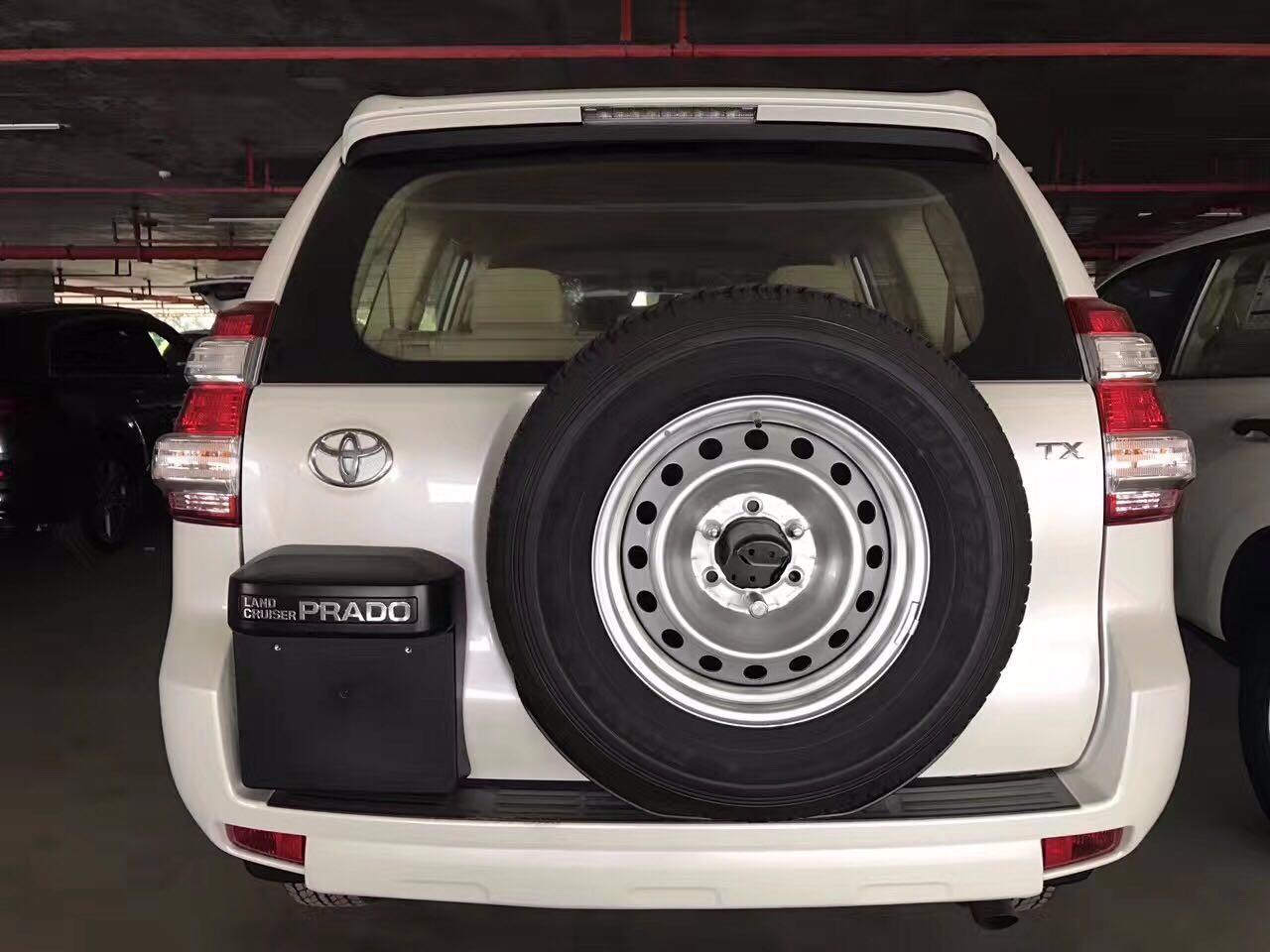 17款丰田霸道2700报价配置油耗性能分析