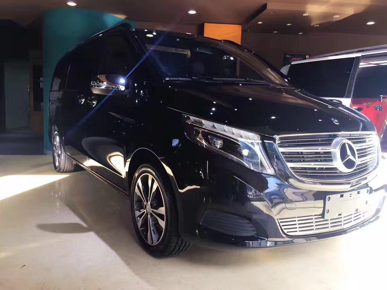 奔驰高级商务车v260l黑色钻系卓尔不凡