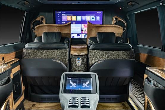 18款奔驰V级商务车