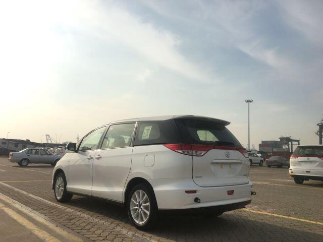 丰田商政车普瑞维亚配备伸见,哈哈尔滨即兴车最低标价,购车递送修饰