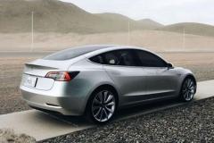 银色版特斯拉Model 3原型车实车图曝光