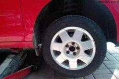 新轮胎装在前轮还是后轮?请对号入座