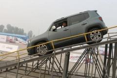 只要6秒就破百 全新Jeep自由侠全能测试