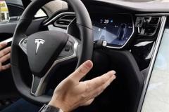 特斯拉采用新硬件方案 实现完全自动驾驶