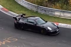 新保时捷911 GT2 RS谍照 或达650马力