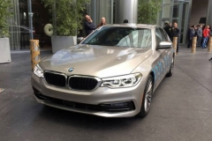 2017 CES:全新宝马5系自动驾驶车型亮相