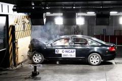 日系车和德系车相撞 哪个更加安全