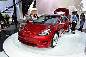 Model 3完成中国首秀,入门产品前景如何?