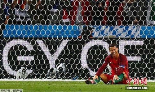 低迷C罗被队友 抬 进四强 葡萄牙成欧洲杯扩军