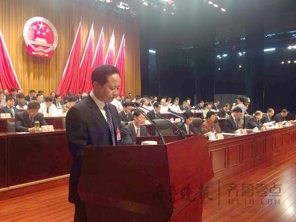 山东泰安新六中俯视图-泰安市第十六届人大第六次会议今日开幕
