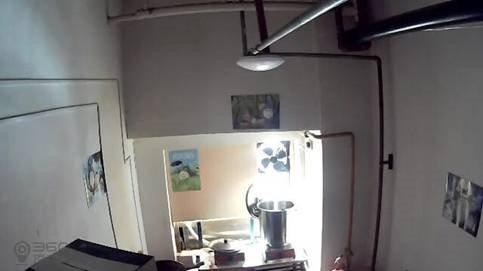 网络直播餐厅厨房的一角-多地出台监管措施鼓励直播厨房作业 叫外卖