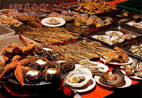 山东首张手绘美食地图亮相中国美食节