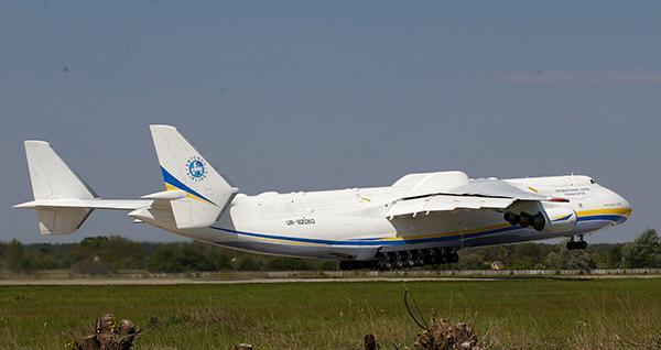 """苏联""""暴风雪号""""航天飞机的运输载具"""