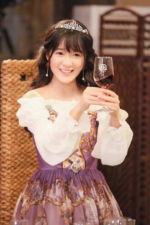 新疆 芭蕾柄jsk 徐娇在晚宴中展现了恬静优雅而又不失可爱的公主范