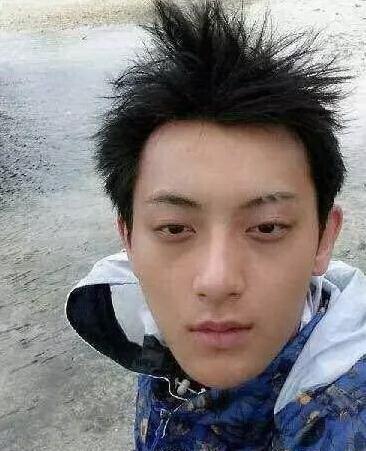 黄晓明素颜简直帅翻 而鹿晗却丑的一脸懵逼
