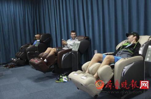 网球明星纷纷体验奥佳华大师椅