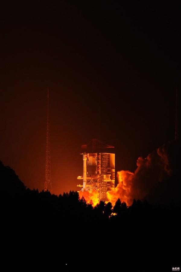 风云四号 气象卫星今凌晨成功发射图片