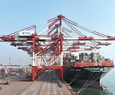 青岛港吞吐量首次突破5亿吨