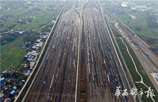 壮观!俯瞰四川最大铁路编组站