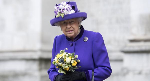 英国女王招人管理个人推特账户 年薪3万英镑(图)