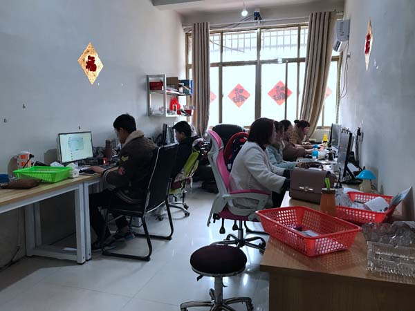王集雄心东苏北的照片:要建情趣内衣全产业链弗乔丹卡情趣内衣小镇图片