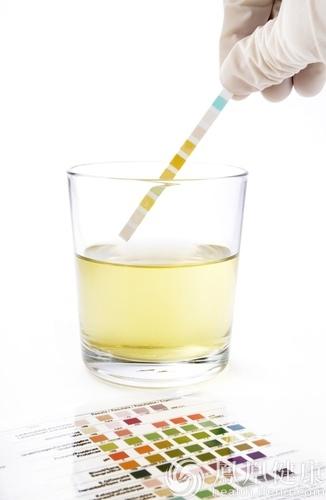 喝水加它竟能防痛风?尿酸高牢记6大饮食禁忌可保命!
