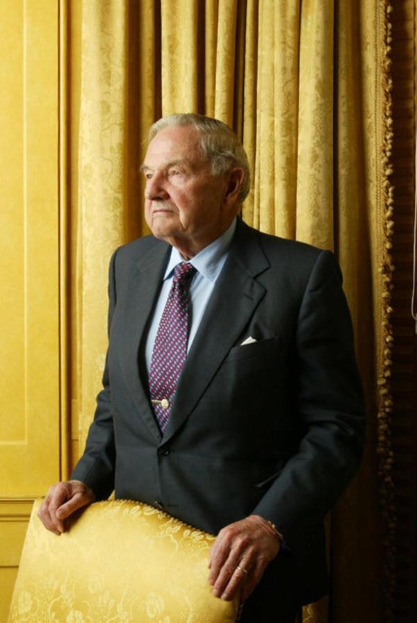 洛克菲勒成功将大通曼东方骨灵姬哈顿银行的业务拓展到了全世界各地
