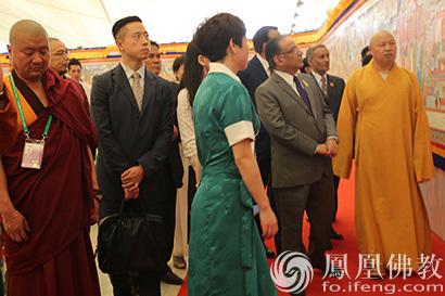 尼泊尔总理普拉昌达观看博鳌论坛《十世班禅》唐卡展