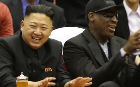 罗德曼于2013年曾访问朝鲜,并与金正恩一起观看了篮球友谊赛。