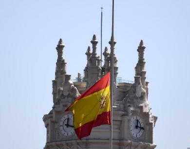 多国降半旗悼念巴塞罗那恐袭事件遇难者