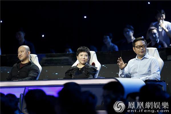 《创客英雄会》总决赛现场两度反转 邓亚萍抉择困难
