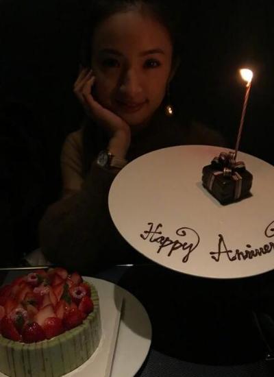 林依晨庆祝结婚三周年 与老公享浪漫烛光晚餐