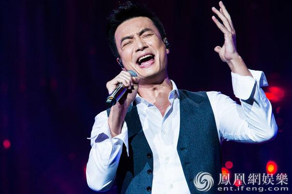 李泉《歌手》唱原创再亮招 钢琴演绎《哪怕我很小》