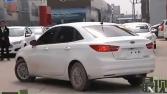 河南商丘男子买福特新车难挂挡 4S店称人为所致