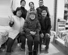 """""""最美家庭""""四世同堂做公益"""