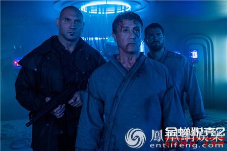 《金蝉脱壳2》曝预告海报 史泰龙率群雄越狱震撼来袭