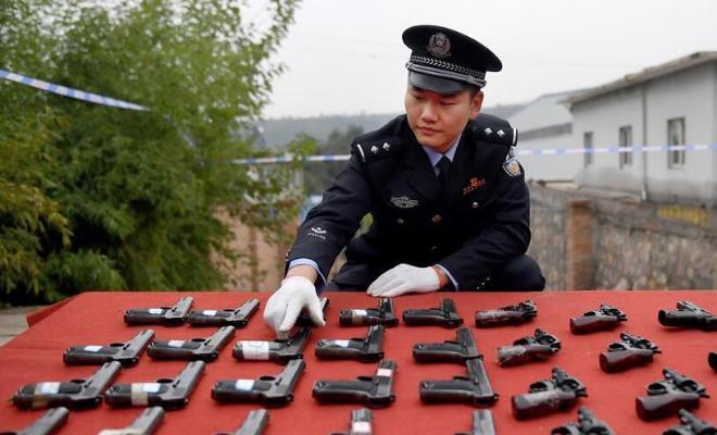 """""""全国146个城市集中统一销毁非法枪爆物品"""""""