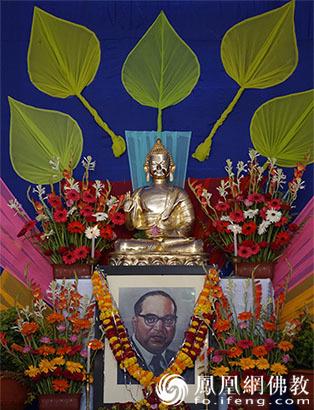 印度举行安贝卡博士皈依佛教62周年庆典崇化法师率团出席_佛教-印度-贝卡-皈依-博士